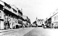 Strona zachodnia rynku, zdjęcie z okresu siedziby rodziny Żuralskich