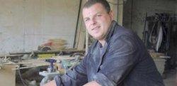 Radoslaw Karmazyn, uczestnik Warsztatu Terapii Zajeciowej odbywa praktyki zawodo